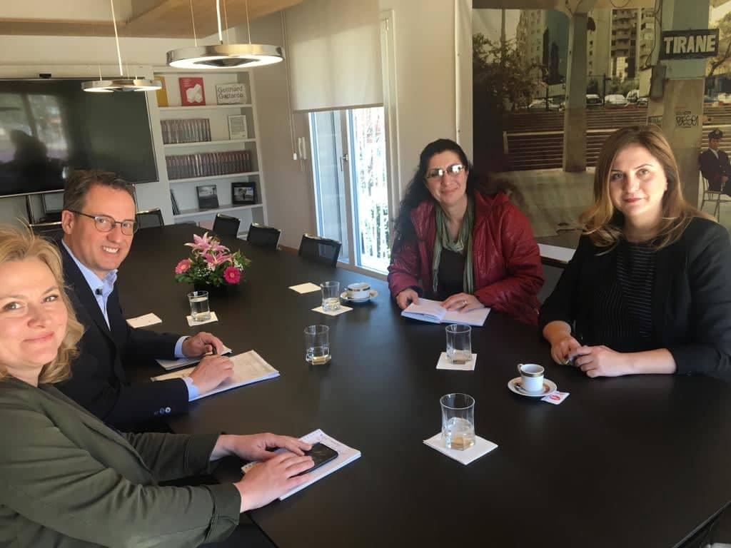 Takim me Përfaqësues të Ambasadës Zvicerane